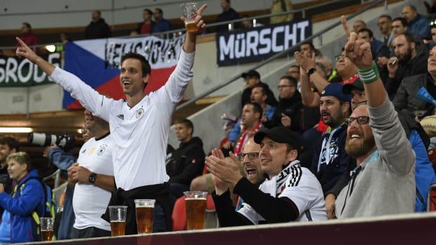german-fans-nazi-chants.jpg