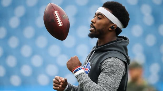 Bills QB Tyrod Taylor Benched; Nathan Peterman to Start vs. Chargers - IMAGE
