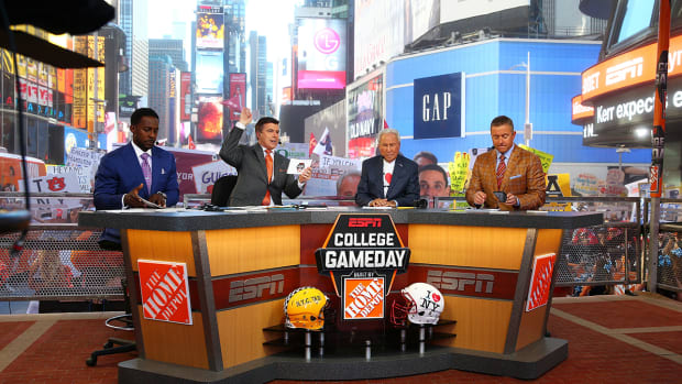college-gameday-new-york-city-times-square-highlights.jpg
