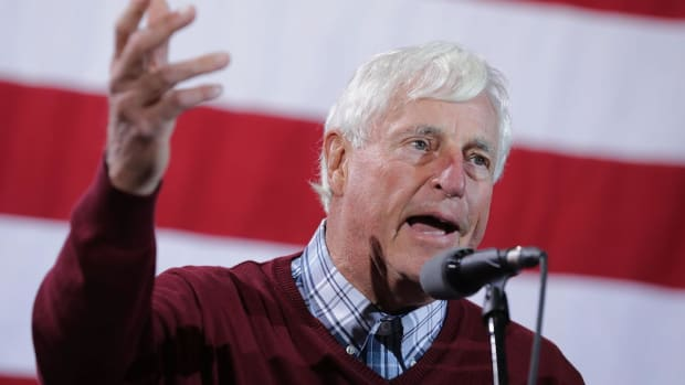 Bob Knight Rips John Wooden Over UCLA Recruiting - IMAGE
