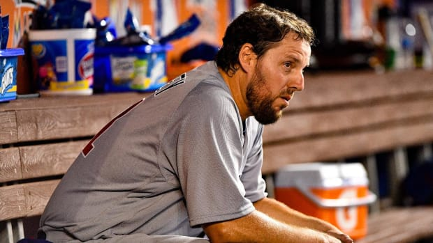 Cubs pitcher John Lackey leads MLB in home runs allowed - IMAGE