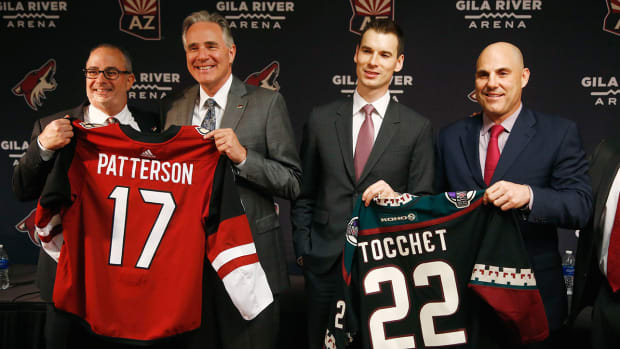 patterson-tocchet-coyotes-nhl-1300.jpg