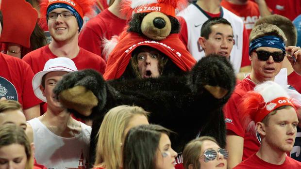 Gonzaga-Bulldogs-fans-631715160.jpg