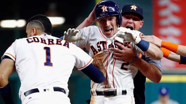 alex-bregman-walkoff-homerun-astros-dodgers-game-5-world-series.jpg