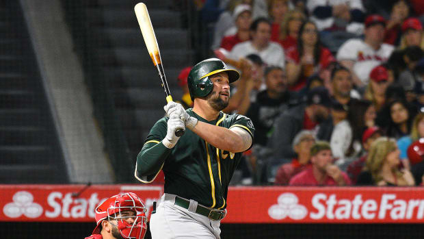 athletics-yonder-alonso-the-30-may-8.jpg