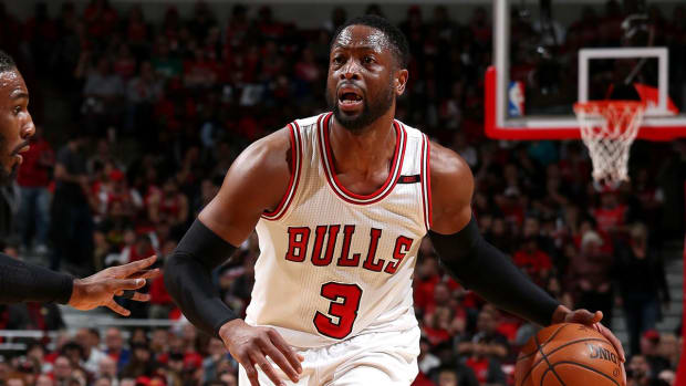 Report: Dwyane Wade Leaning Toward Signing With Cavaliers - IMAGE