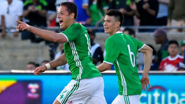 javier-hernandez-goal-mexico-record.jpg