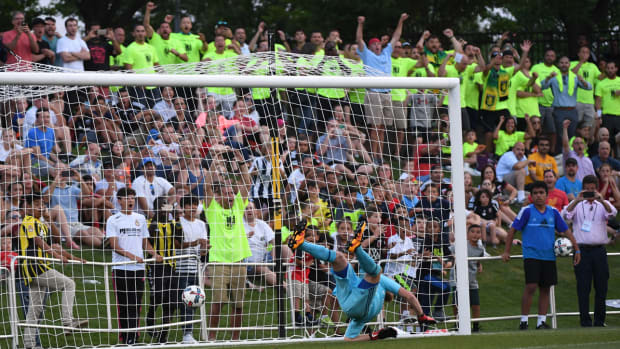 christos-goal-dcu-free-kick.jpg