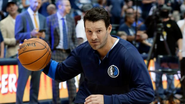 tony-romo-mavericks.jpg