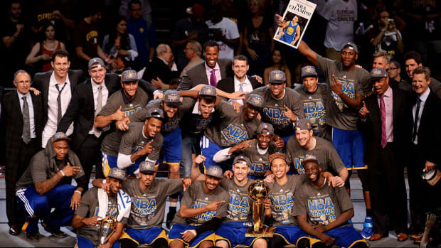 Report: Warriors Will Meet This Fall to Decide on White House Visit - IMAGE