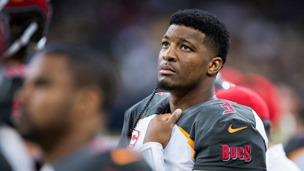 How Worried Are the Bucs About Jameis Winston's Shoulder Injury? - IMAGE