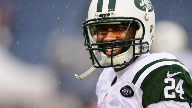 Darrelle Revis has all charges dismissed--IMAGE