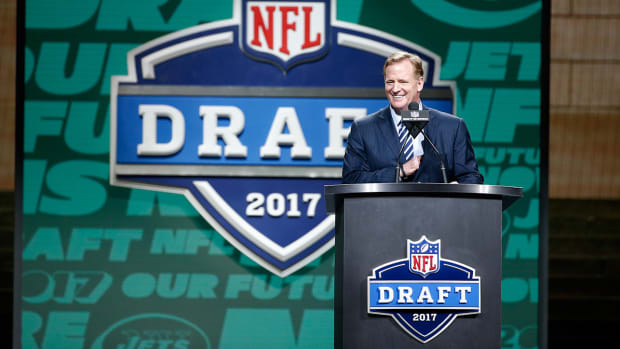 roger-goodell-boo-nfl-draft-video.jpg