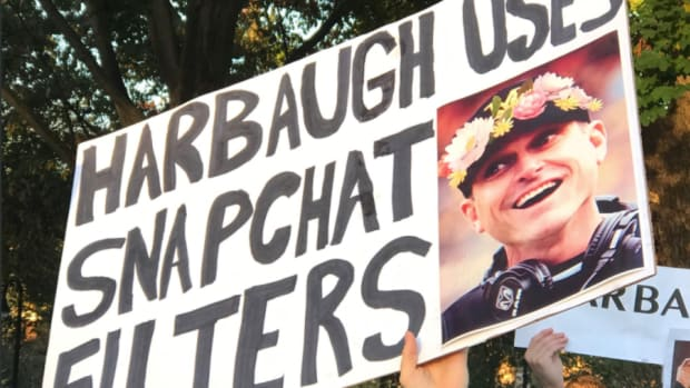gameday-signs-penn-state-michigan.png