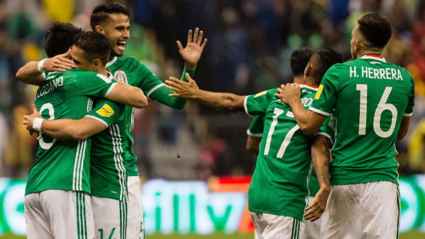 mexico-qualifies-world-cup-topper.jpg