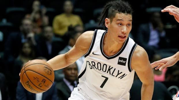 Report: Jeremy Lin Suffers Knee Injury, Will Be Evaluated on Thursday - IMAGE