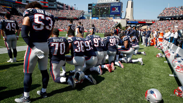 patriots-player-protest.jpg
