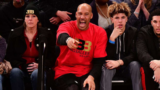 Report: Lakers Met With LaVar Ball And Ask Him To Tone Down His Team Criticism - IMAGE