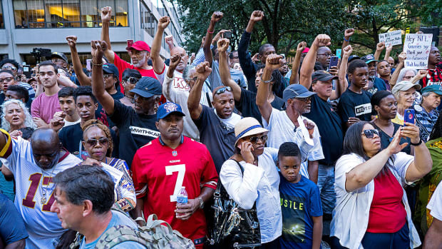 colin-kaepernick-supporters-rally.jpg