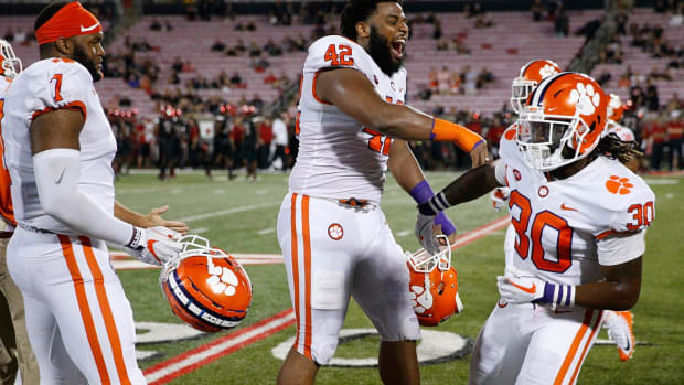 College Football Playoff Projections: Clemson Gets Top Spot With Win at Louisville