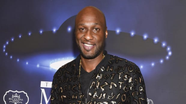 Lamar Odom Collapses At Los Angeles Nightclub - IMAGE