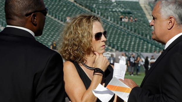 Media Circus: Beth Mowins to call Monday Night Football game--IMAGE