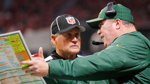 mike-mccarthy-pass-interference.jpg