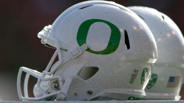 #DearAndy: Will the Oregon Ducks bounce back under Willie Taggart? -- IMG