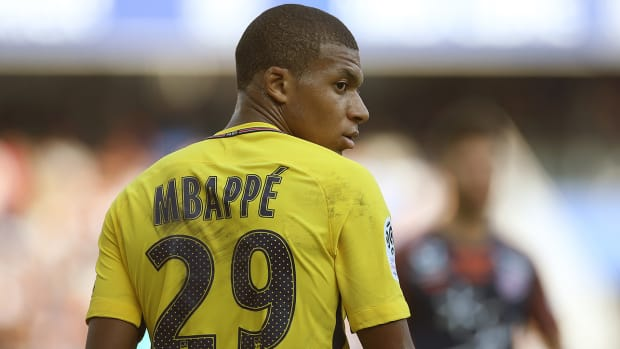 mbappe_looks_on_as_psg_forced_to_draw_with_montpellier.jpg