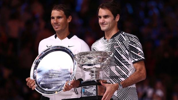 roger-federer-nadal-aus-open-trophy.jpg