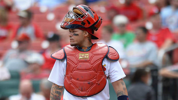 cardinals-yadier-molina-contract-talks.jpg