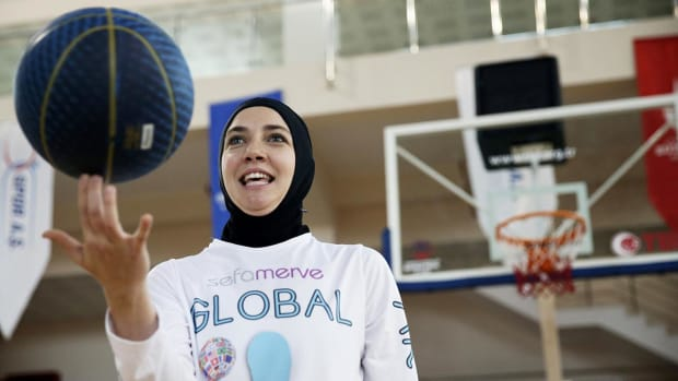 FIBA approves new rule to allow religious headgear