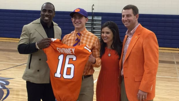 Dabo Swinney's son signs with Clemson as walk-on - IMAGE