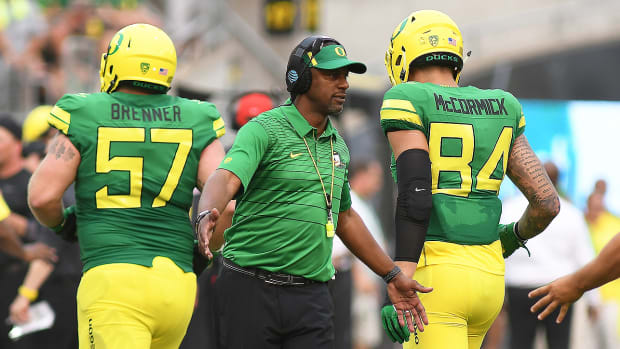oregon-football-recruiting-willie-taggart.jpg