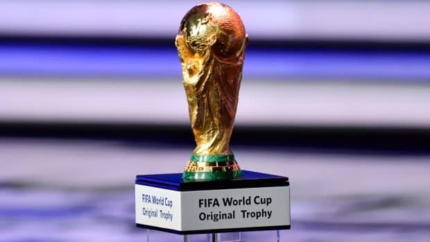 world-cup-draw-trophy-2018.jpg
