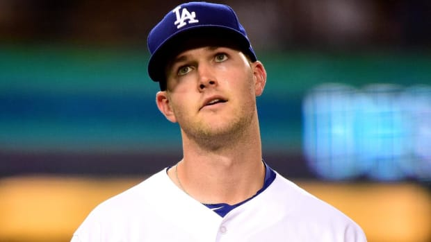 Dodgers' Alex Wood Could Skip Next Start Due to Shoulder Injury - IMAGE