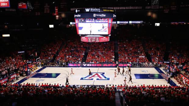 arizona-basketball-jahvon-quinerly-decommits.jpg