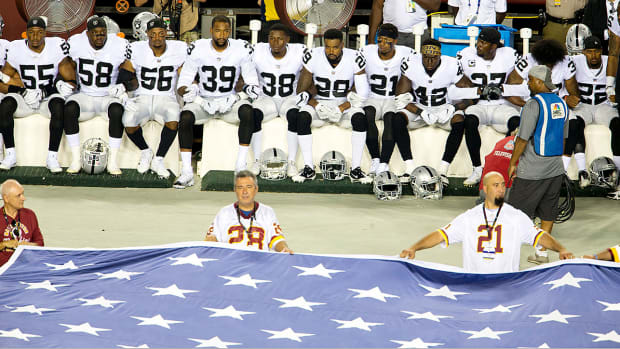 nfl-restaurant-ban-nfl-protests.jpg