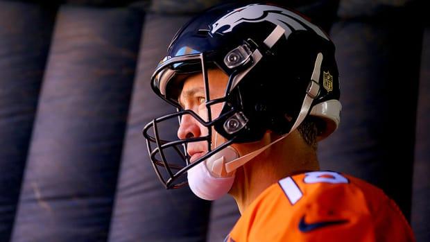 super-bowl-50-peyton-manning-injury-broncos-panthers.jpg