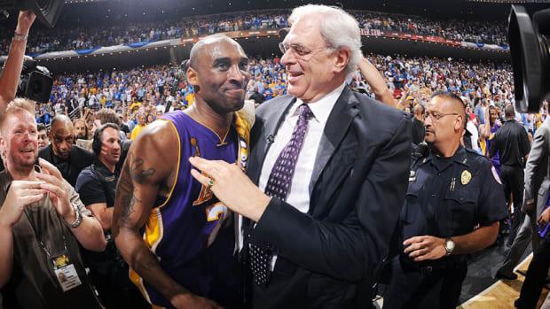 Kobe生前曾堅信會被湖人裁掉:如果被買斷,我將赴紐約投奔禪師!-Haters-黑特籃球NBA新聞影音圖片分享社區