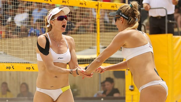 kerri-walsh-jennings-april-ross-2016-olympics.jpg