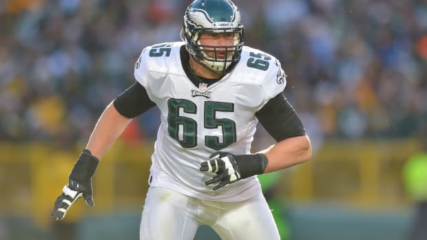 eagles-lane-johnson-extension.jpg