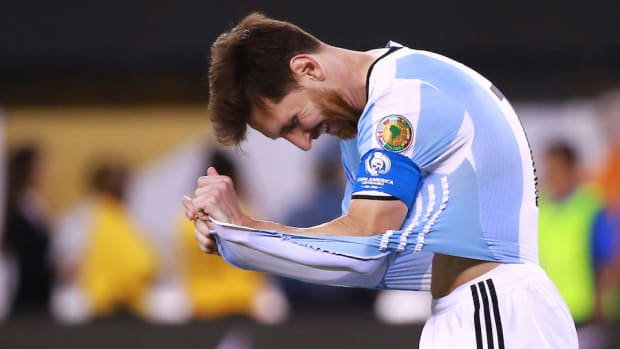 lionel-messi-crying-photo-kid-tears-tv.jpg
