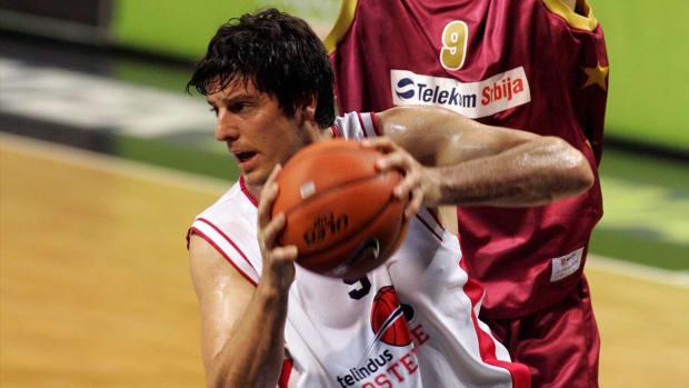 Former Oakland basketball player injured in Brussels attack - IMAGE