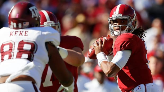 No. 1 Alabama remains unbeaten with victory over No. 6 Texas A&M--IMAGE
