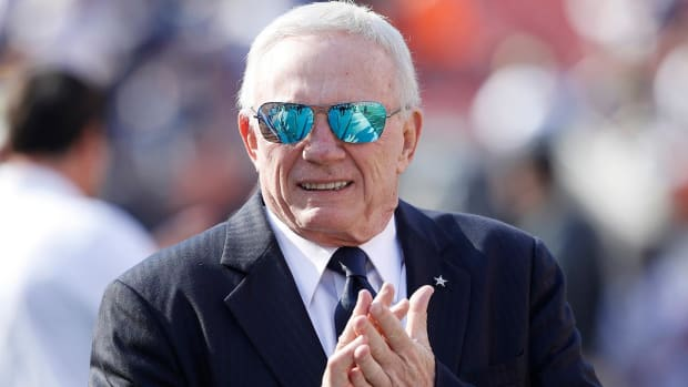 Jerry Jones admits to stirring Cowboys QB controversy - IMAGE