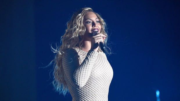 beyonce-super-bowl-halftime-show-coldplay.jpg
