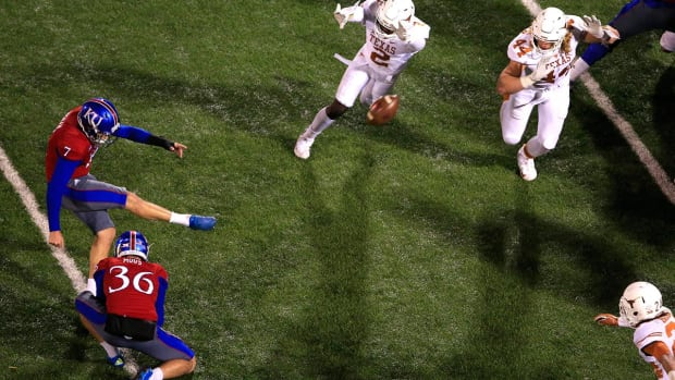 Kansas upsets Texas for the first time since 1938--IMAGE