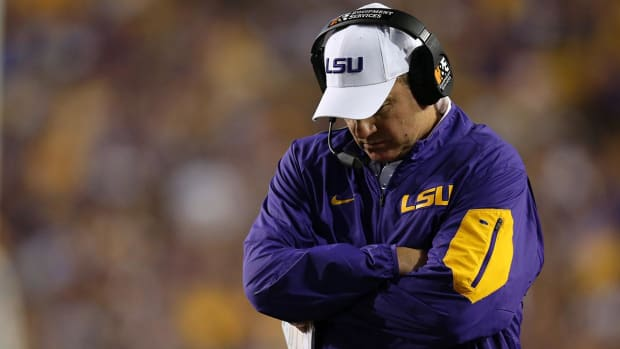 Les Miles releases statement on Baton Rouge shooting - IMAGE