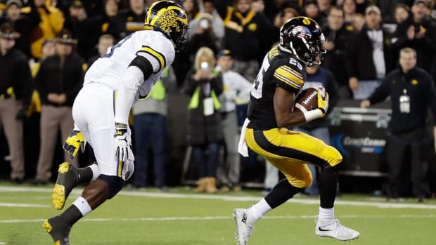 Iowa stuns No. 3 Michigan 14-13--IMAGE